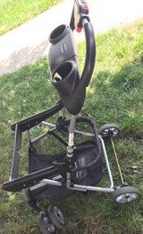 Snap n go stroller in Naperville, Illinois
