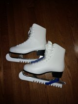 Ice Skates for Women in Naperville, Illinois