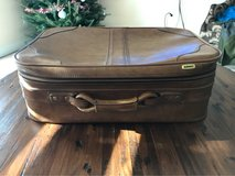 vintage suit case in Warner Robins, Georgia