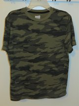 Old Navy Boy's Large (10/12) Camo T-shirt in Glendale Heights, Illinois