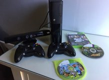 XBOX 360 250 GB with Kinnect - Grand Theft Auto in Chicago, Illinois