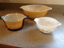 Vintage Pyrex bowls in Bartlett, Illinois
