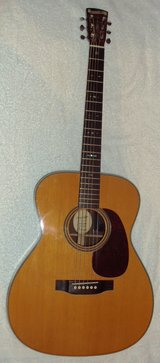 Blueridge BR-163 with Fishman Pickup and Hard Shell Case (FREE SHIPPING) in Grafenwoehr, GE