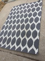 Grey rug 5x7 in Fort Riley, Kansas