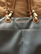 MICHAEL KORS PURSE in Yucca Valley, California