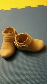Girl ankle Boots size 3c in Fort Leonard Wood, Missouri