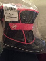 New with tags girls size 1 winter boots. in Stuttgart, GE