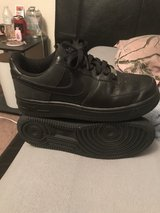nikes 2 size 6.5y in Fort Leonard Wood, Missouri