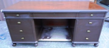(HK-2) Extra Large Solid Wood Executive Desk w/ 8 Drawers (AUCTION) in The Woodlands, Texas