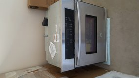 "Whirlpool 30"" Electric 'Built'-in' Oven in Beaufort, South Carolina"