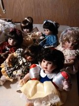 Set of 6 Porcelain Dolls in Yucca Valley, California