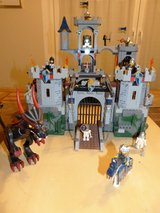 Lego Castle 7094 large royal castle with dragon- top condition! in Spangdahlem, Germany