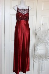 Gorgeous Gown Sz M in Ramstein, Germany