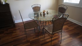 Dining table and chairs in Beaufort, South Carolina