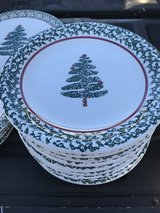 Christmas dishes in Pleasant View, Tennessee