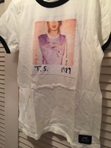 Taylor Swift 1989 Tour Tshirt XL new never worn in Naperville, Illinois