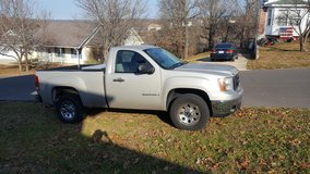 2008 GMC Sierra in Fort Leonard Wood, Missouri
