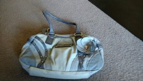 guess gray zippered purse in Shorewood, Illinois