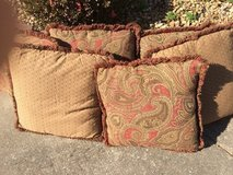 6 Couch Pillows in Clarksville, Tennessee