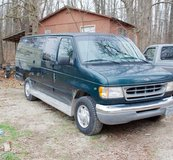 1999 E-350 15 Passenger Van in Fort Leonard Wood, Missouri