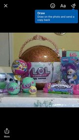 Toys (Fingerlings,, LOL Surprise, Hatchimals, Pikmi and more) in Batavia, Illinois