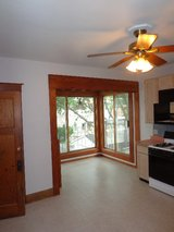 Large Sunny 3-Bedroom Apartment in Forest Park in Lockport, Illinois
