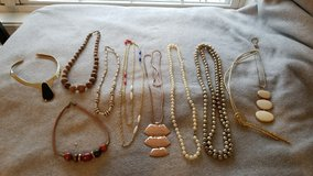 10 Necklaces in Shorewood, Illinois