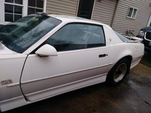 1987 white  Pontiac TransAm GTA w/new motor in Shorewood, Illinois