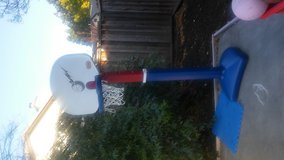little tikes basketball hoop/ move out sale name your price in Vacaville, California