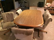 Kitchen Table and Chairs in Lockport, Illinois
