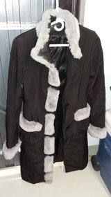 Women size small coat in Wiesbaden, GE
