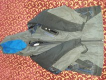 Weather proof coat 4/5 in Fort Leonard Wood, Missouri
