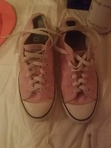 Pink and white converse 8.5 in Columbus, Ohio