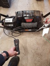WARN WINCH 9.5CTI with hitch mount. NEW! in Fort Campbell, Kentucky