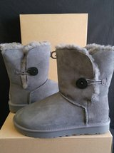 UGG Boots Size 9 (NEW) in Camp Pendleton, California