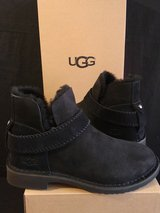 UGG Boot Size 7 (NEW) in Camp Pendleton, California