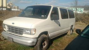 97 ....12 passenger van.... in Pleasant View, Tennessee