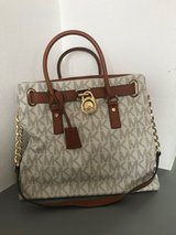 Michael Kors Purse (White and Brown) in Stuttgart, GE