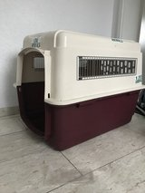 Crate Petmate for dogs up to 25 kg in Wiesbaden, GE