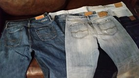 8 pair of Men's jeans like new all name brand in Fort Drum, New York