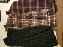 2x Flannel shirts in Camp Lejeune, North Carolina