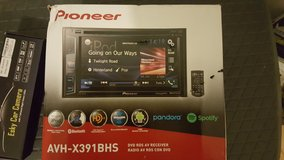 Pioneer double din and back up camera in Fort Leonard Wood, Missouri