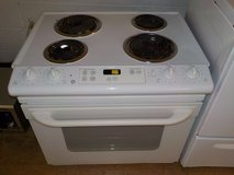 GE SLIDE-IN STOVE in Lumberton, North Carolina