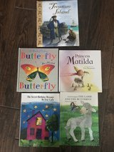 5 hardcover children's books in Perry, Georgia