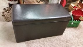 Chest/Bench REDUCED in Fort Campbell, Kentucky