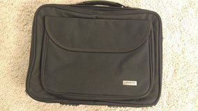 15in London Fog Laptop Bag (new but Missing shoulder strap) in Algonquin, Illinois