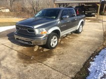2011 Dodge Ram 1500 Crew SLT 4x4 HEMI in Fort Leonard Wood, Missouri