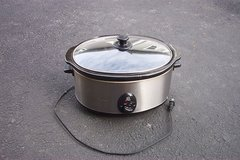 CRAFTON SLOW COOKER in St. Charles, Illinois