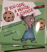 NEW If You Give a Mouse a Cookie 40 new copies in Okinawa, Japan