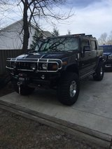 Hummer H2 (black) in Camp Lejeune, North Carolina